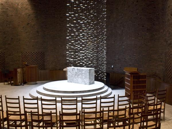 chapel_interior2
